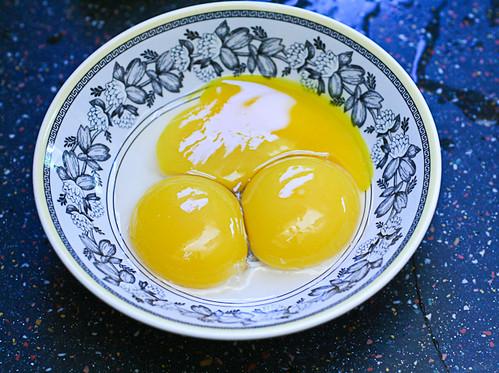 Duck Egg Sponge Cake (2 of 5)