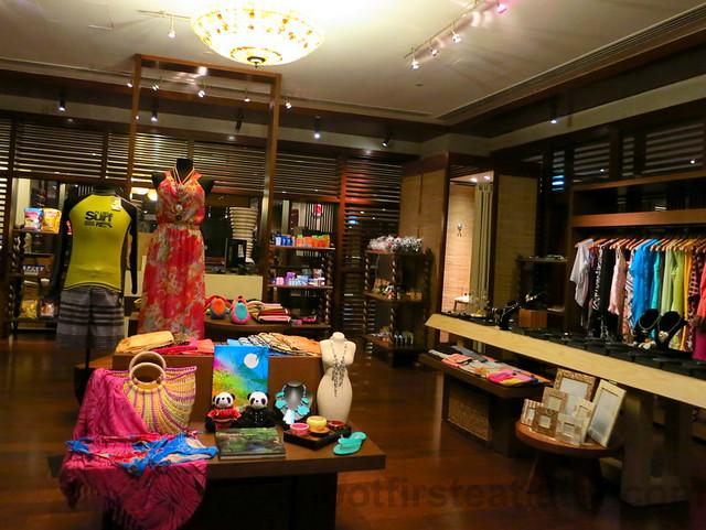 Shangri-La's Boracay Resort & Spa- regalo boutique-001