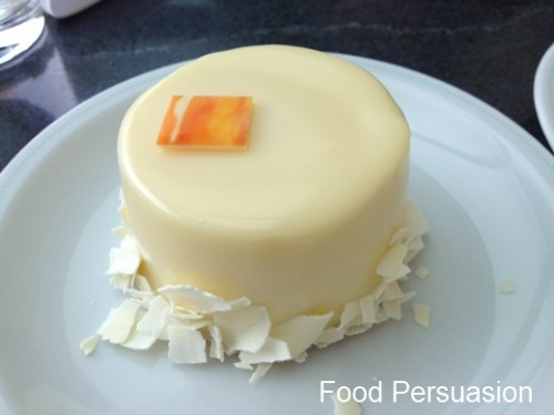 Bel Cafe White Chocolate Cake