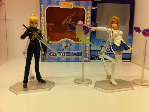 Nendoroid Saber: Casual Clothes' box (behind Saber figma)