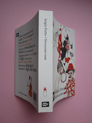 Sergio Pretto, Novecento Rom, CartaCanta 2012. Progetto grafico e logo: Oblique Studio, ill. di cop.: Sara Stefanini. Q. di cop., dorso, pertina (part.), 1