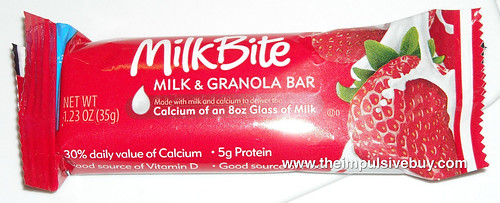 Kraft MilkBite Strawberry Milk & Granola Bar Wrapper