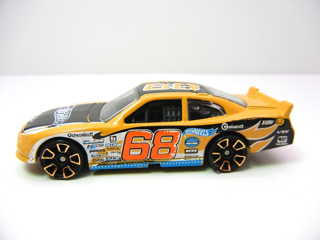 hot wheels 2010 chevy impala orange (4)