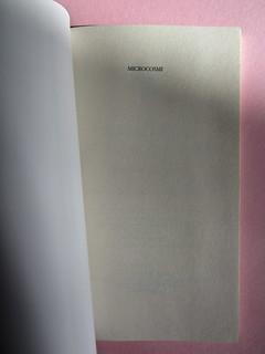 Roddy Doyle. Non solo a Natale, Guanda 2012. Disegno e grafica di copertina: Guido Scarabottolo. Pagina dell'occhiello (part.), 1