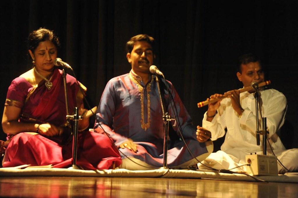 Guru Meenakshi Chitharanjan on Natwangum, Vocal by    , flute by Mr Raghuraman, Mridangam by