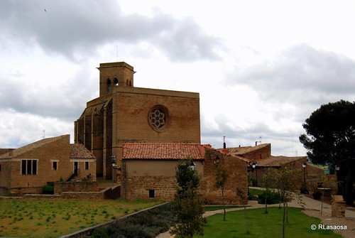 Vista general de la iglesia de San Saturnino, Artajona