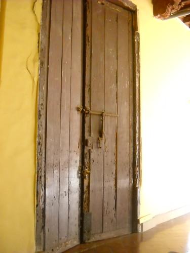 Puerta - Convento de Santo Domingo by John Hernandez Vera
