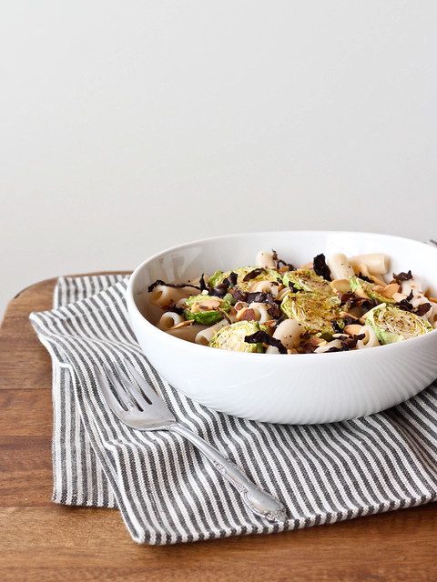 Pasta with roasted brussels sprouts