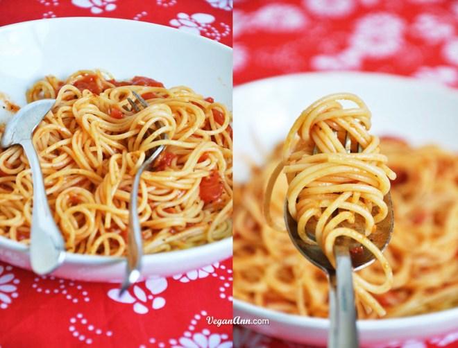 Spaghetti with basic tomato sauce mix