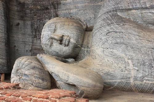 20130113_6901-Polonnaruwa-Buddha_Vga