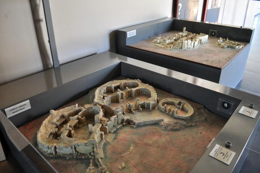 Templos de Hagar Qim y Mnajdra Templos de Hagar Qim y Mnajdra en Malta Templos de Hagar Qim y Mnajdra en Malta 9393602367 dbd7eaa221 o