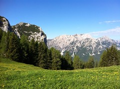 Ausblick von den Almwiesen unterhalb des Sarlkofels