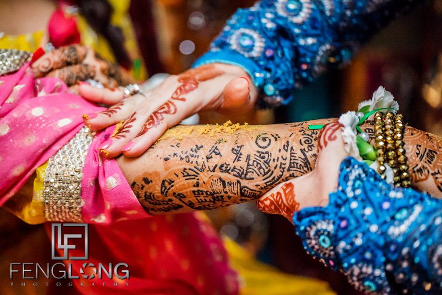 Close up of bride's hands during pithi