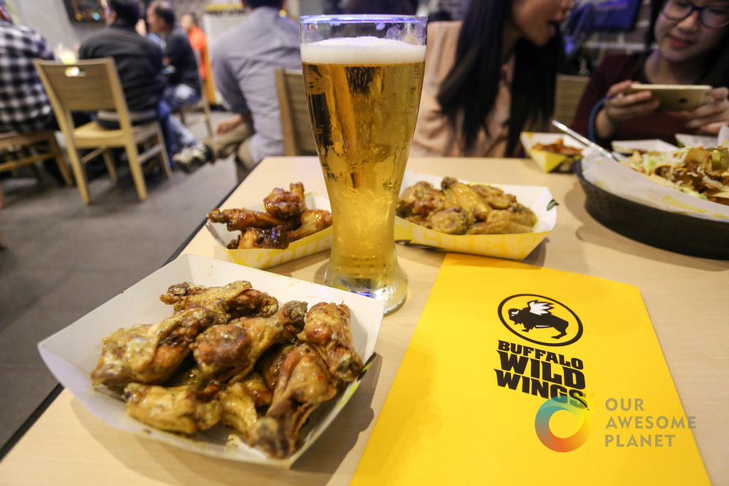 Buffalo Wild Wings Opening-37.jpg