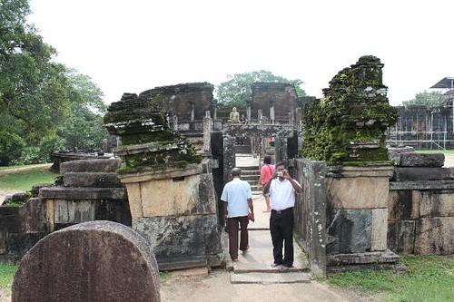 20130113_6847_Polonnaruwa-Vatadage_Vga