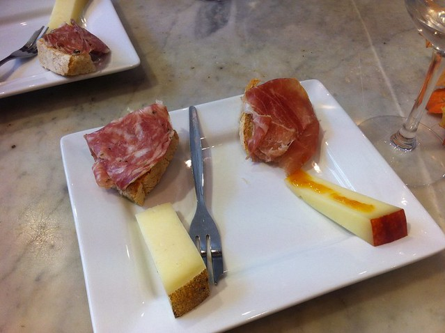 Tuscan food that goes well with wine