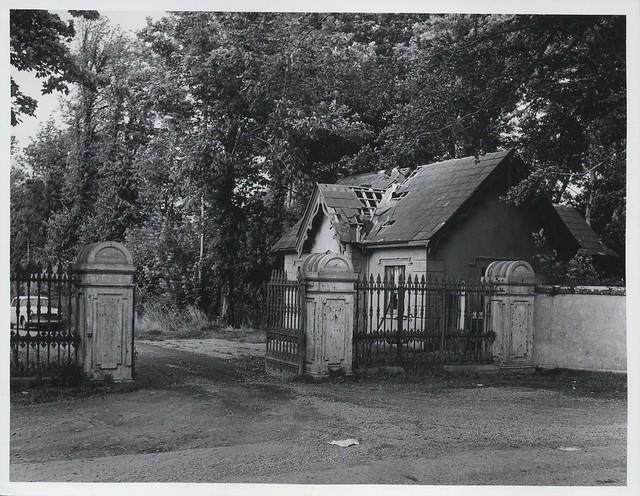 Gate Lodge (side)