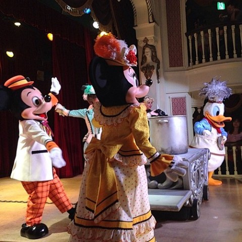 ミッキー&カンパニー、想像の3倍くらいいいショーだった。すごいなこれ!驚いた!