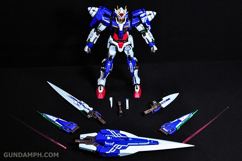 Metal Build 00 Gundam 7 Sword and MB 0 Raiser Review Unboxing (29)