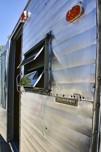 Vintage aluminum Yellowstone RV exterior. Photo copyright Jen Baker/Liberty Images; all rights reserved.