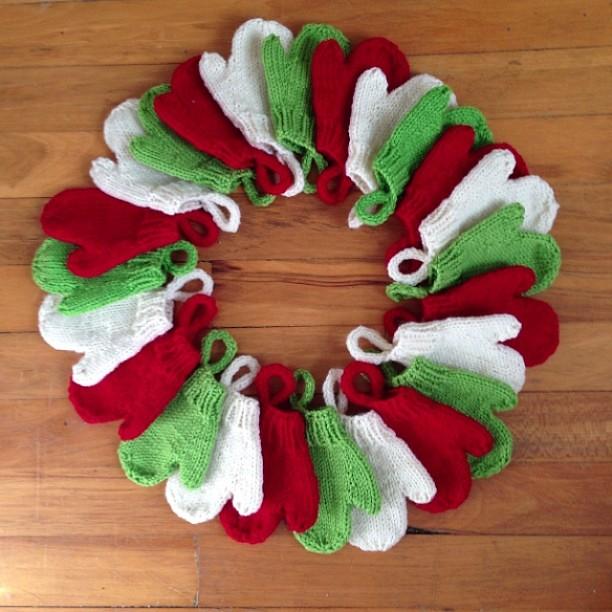 Smitten :: done #knitting #mittens #smitten #adventcalendar
