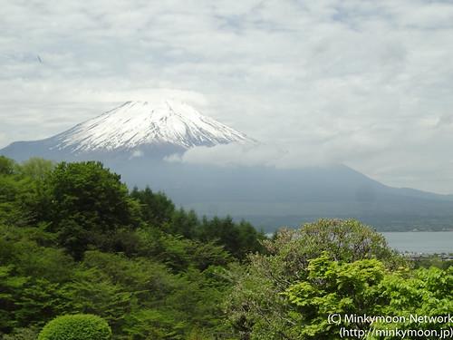 ラウンジの席から見える富士山