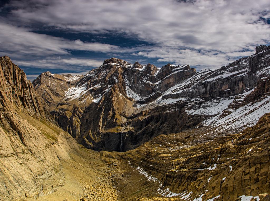 14. Vistas sobre Gavarnie. Al fondo, el inicio de la cascada. Autor, Guillaume Pomente