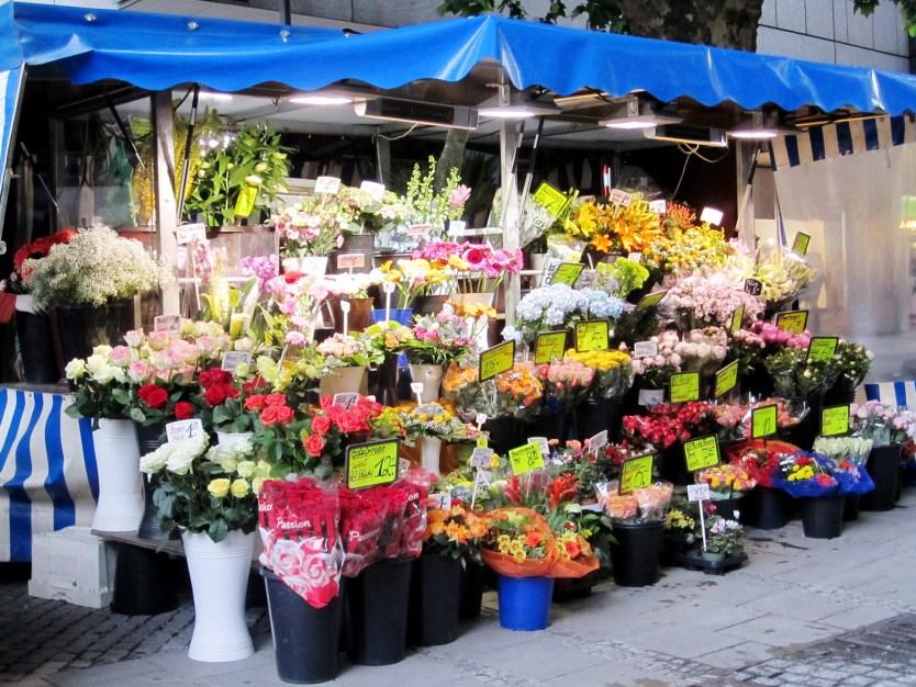 Flower stand, Viktualienmarkt, Munich.