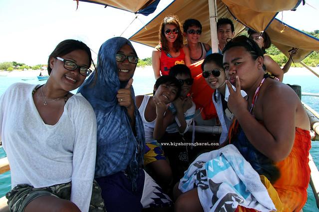 Island hopping in Calaguas