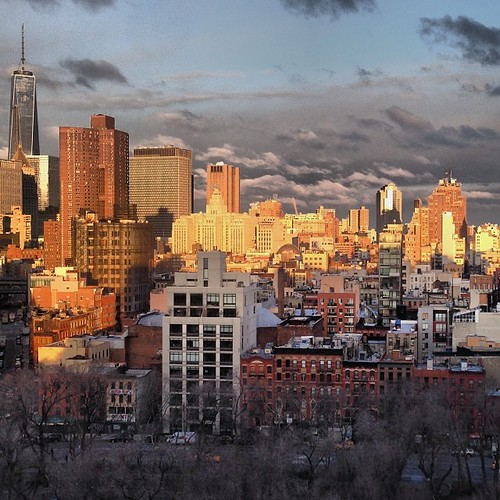 Magic hour #sunrise #lowereastside #les #manhattan #newyorkcity #nyc #imagesforyoursenses #iheartny