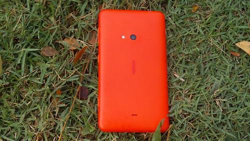 Nokia Lumia 625 ด้านหลัง