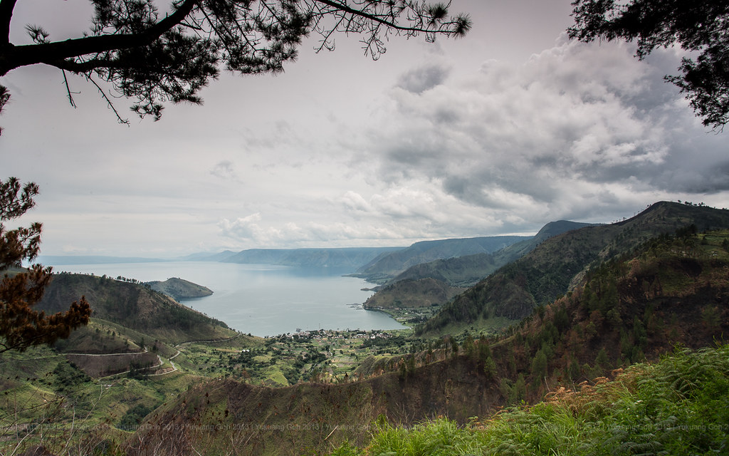 Tongging View (lake toba)