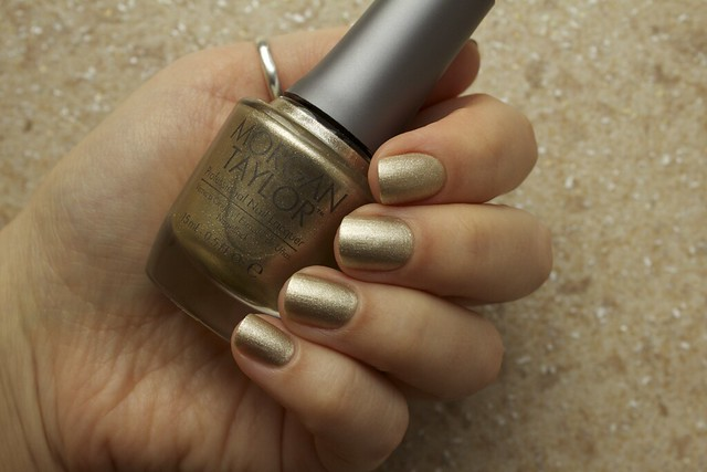06 Morgan Taylor Give Me Gold + Mattes A Wrap topcoat swatches