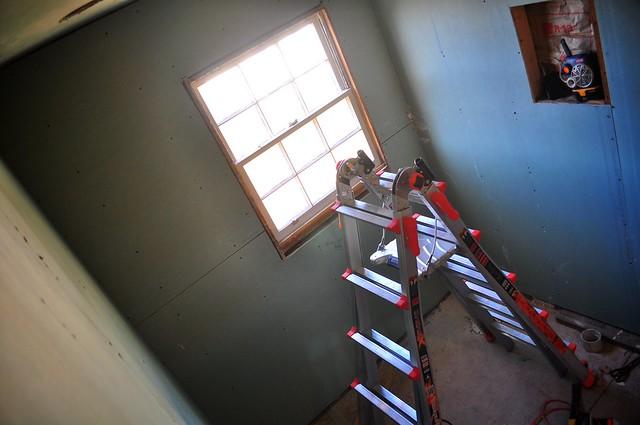 2012-02-12 Bathroom insulation and sheetrock 07