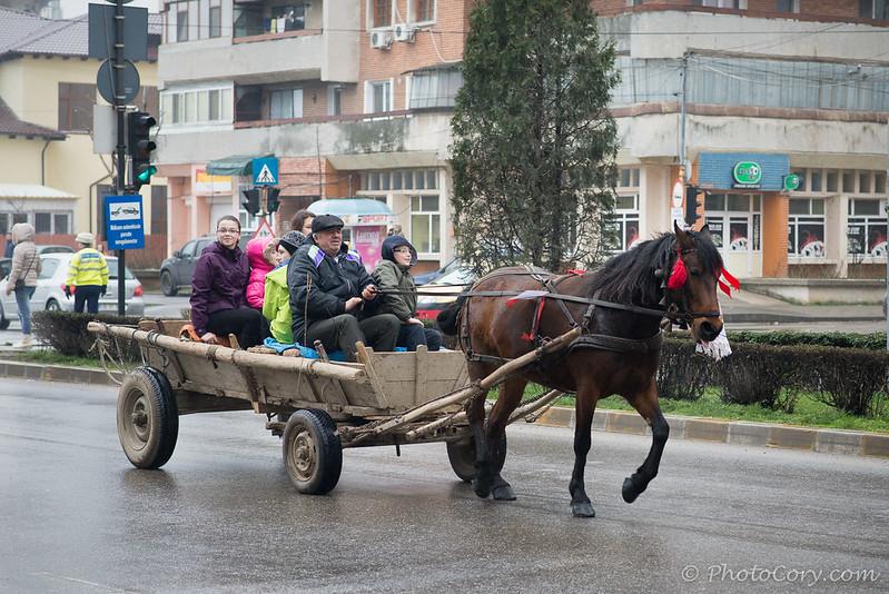 Bulgarii sarbatoresc Pastele Cailor in Targoviste, 8 martie 2014