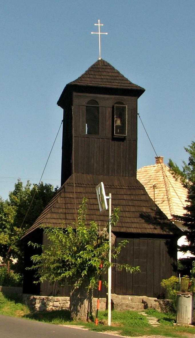 Celodrevená zvonica