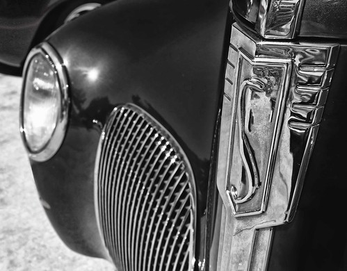 Vintage Studebaker front end & grille in black and white. Photo Copyright Jen Baker/Liberty Images; all rights reserved.