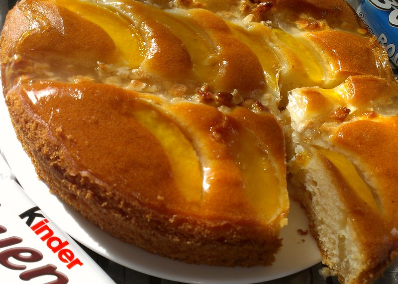 Apple-apricot pie