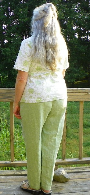Cotton Sateen Top (B5215) and Linen Pant (V8915)