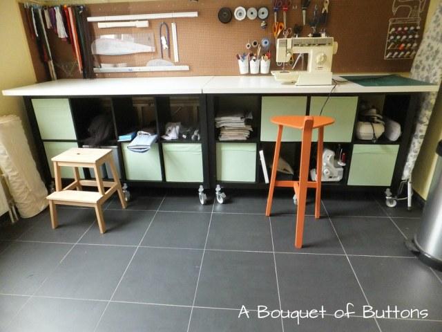 Sewing Studio space room Lieke, gaatjesplaat, gaatjesboard, gaatjesbord, pegboard, naaikamer, naaien, A Bouquet of Buttons, ikea