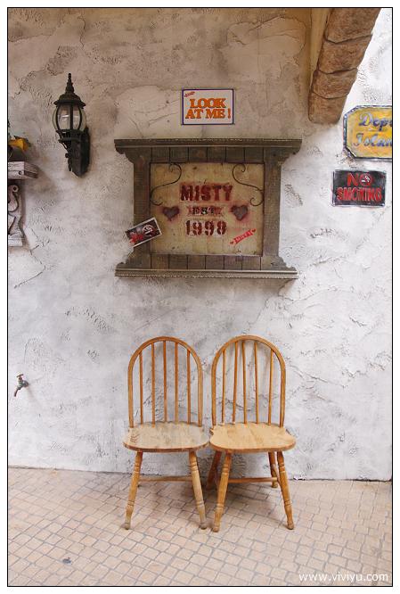 [沖繩.自駕]沖繩必排必玩行程~美國村&必買100円店 @VIVIYU小世界
