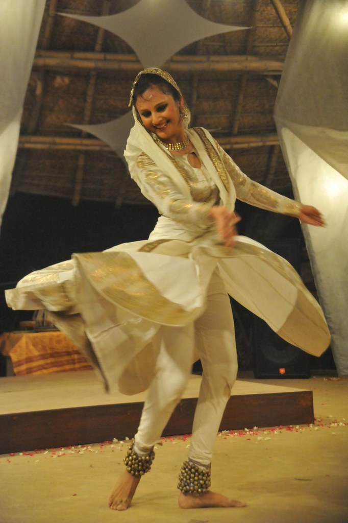 Kathak : Astha loses herself in the Sufi way - Zorba, the Buddha