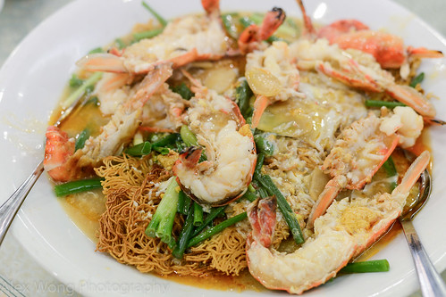 Crispy Noodles with Freshwater Prawns