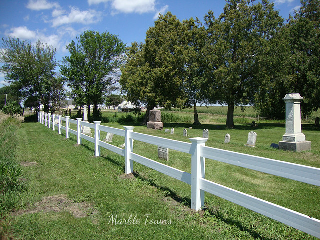 Fence-Fairview Cemetery, Iowa.JPG