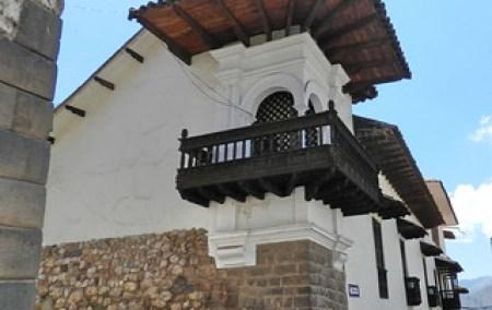Cuzco balcones puertas y ventanas 01