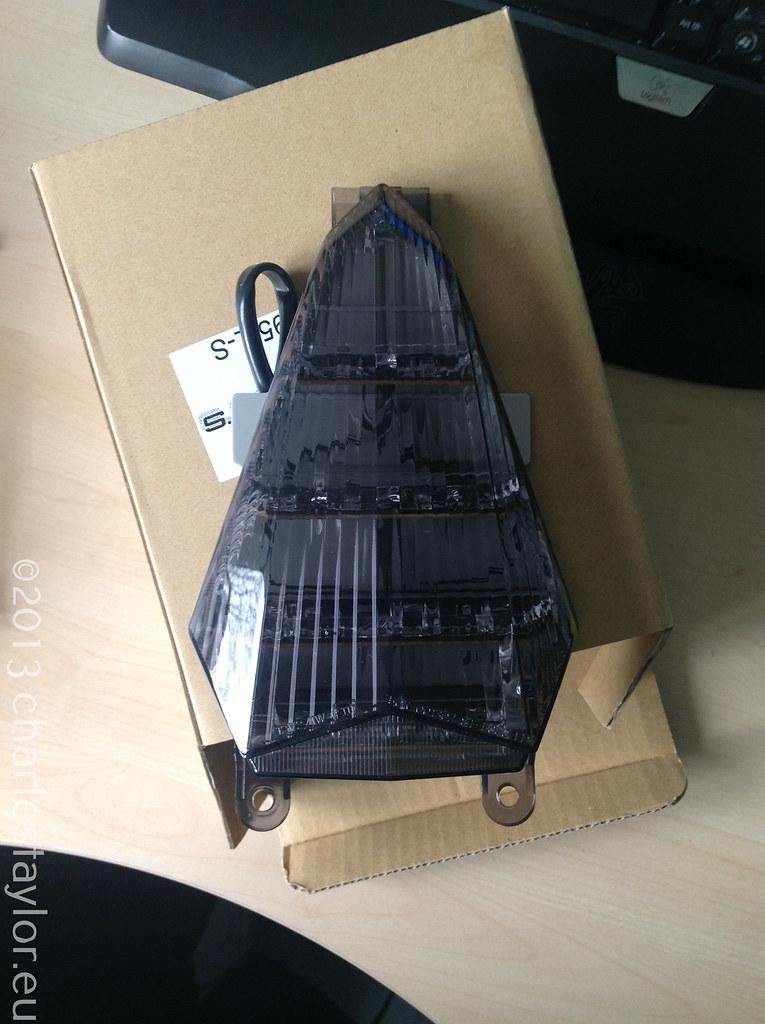 19. RF900 / R6 (07) Tinted Tail Light Swap
