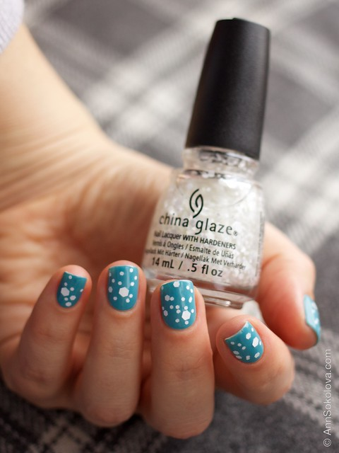 06 OPI   Can't Find My Czechbook + China Glaze   Chillin' With My Snow Mies