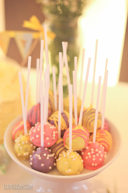 Cake Pops by Peachy Diaz