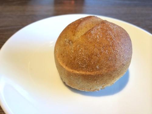 パンは全粒粉っぽかった!@ビズ 神楽坂