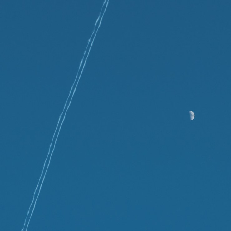 Plane Streaks and the Moon